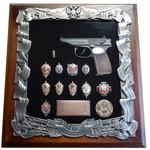 Деревянная ключница с пистолетом Макарова и знаками ФСБ gt16-272