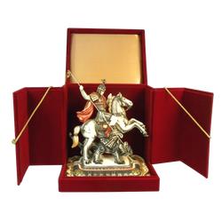 Cкульптура Георгий-Победоносец на подставке в бархатной раздвижной коробке
